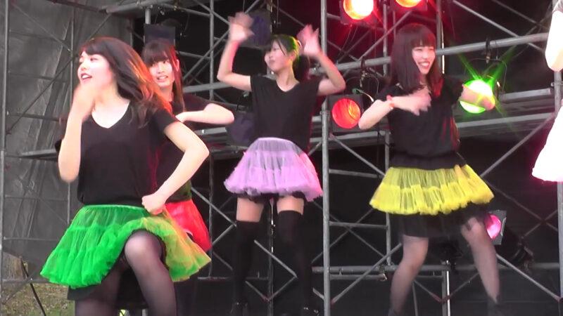 女子大生のカバーダンス 「行くぜっ!怪盗少女」 00:23