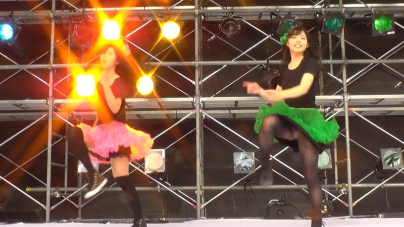 カラフルに躍動感!元気が貰える女子大生のコピーダンス。「Chai Maxxー ももいろクローバー 」 01:32