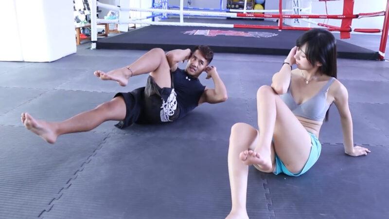 一個簡單腹肌訓練,小變化大改變 (Abs Workout) 00:46