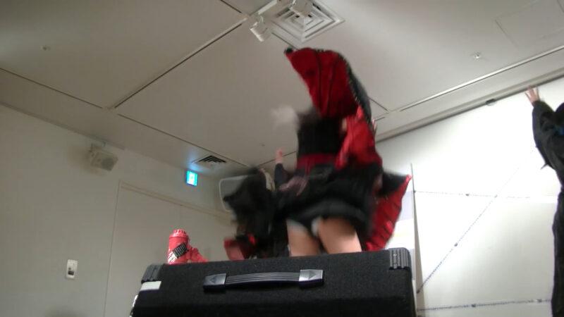 椎名ぴかりん NEWシングル『バババーババウムクーヘン★/下僕 GEBO GEBO !!』ミニライブ 06:03