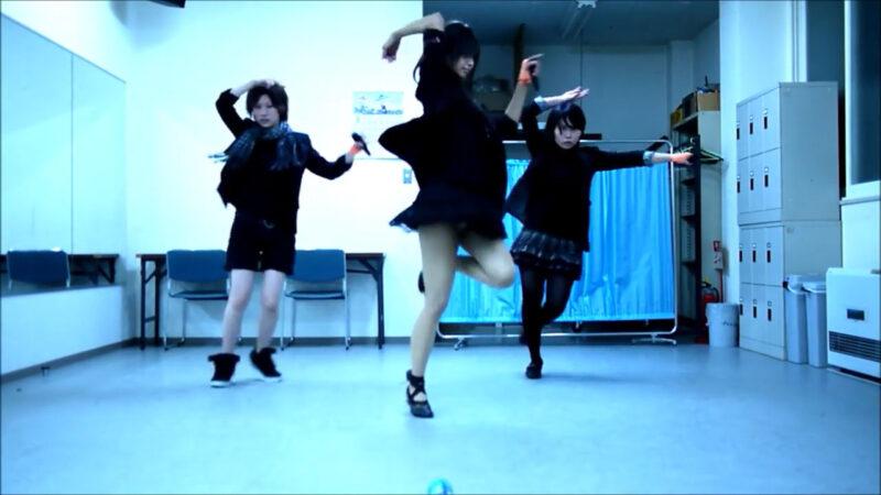 【ETTA】Perfume レーザービーム 踊ってみた【三度&Danろ&SADAKO】 01:32