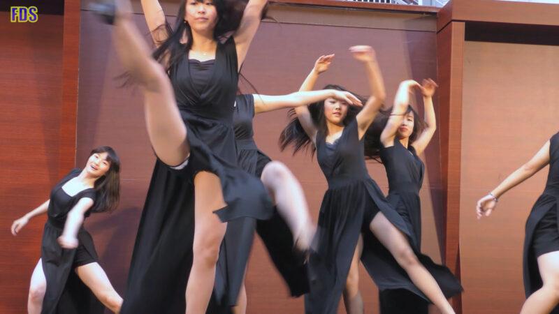 ヒラヒラさせるダンス 高校生 Japanese Girls Dance show [4K] 01:16
