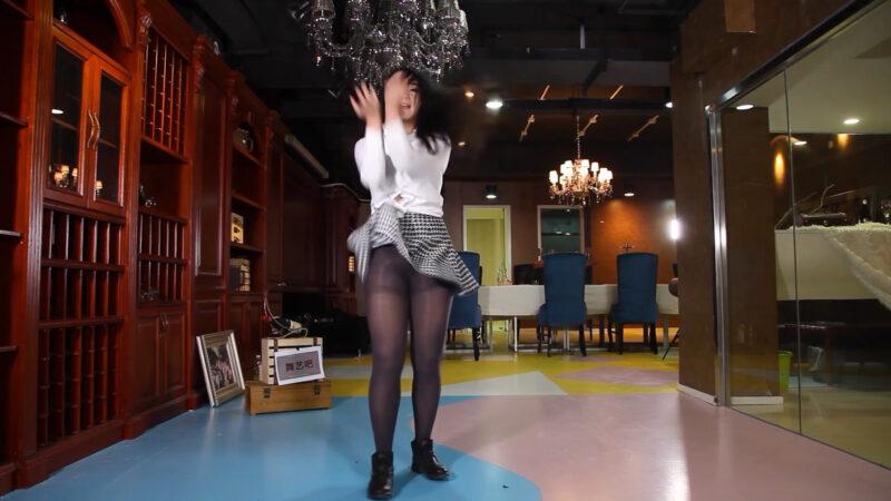 【舞艺吧女人热舞】主播热舞性感妇女 女人紧身裤冰丝热舞 NO29 00:08