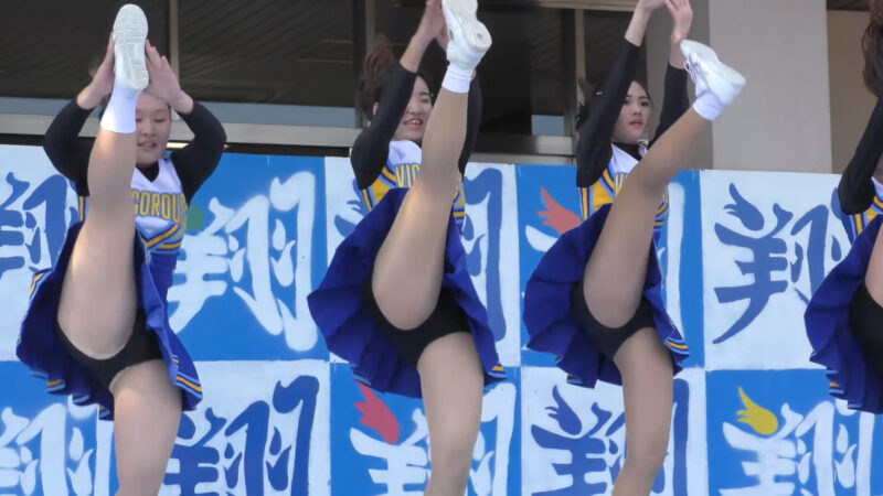 Female university student baton twirling club④ 01:21