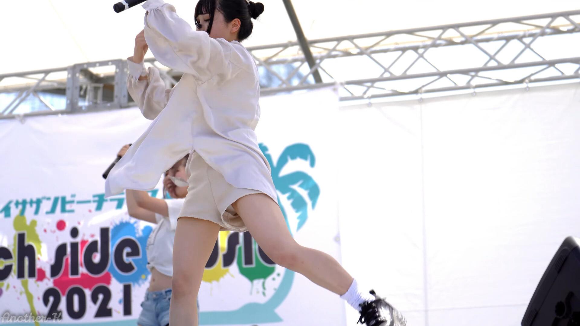 サークルクラッシャー『トワイライト』/タルイサザンビーチ砂浜(2021.07.22)【4K】Japanese Girls Idol Swimsuit Live 02:02