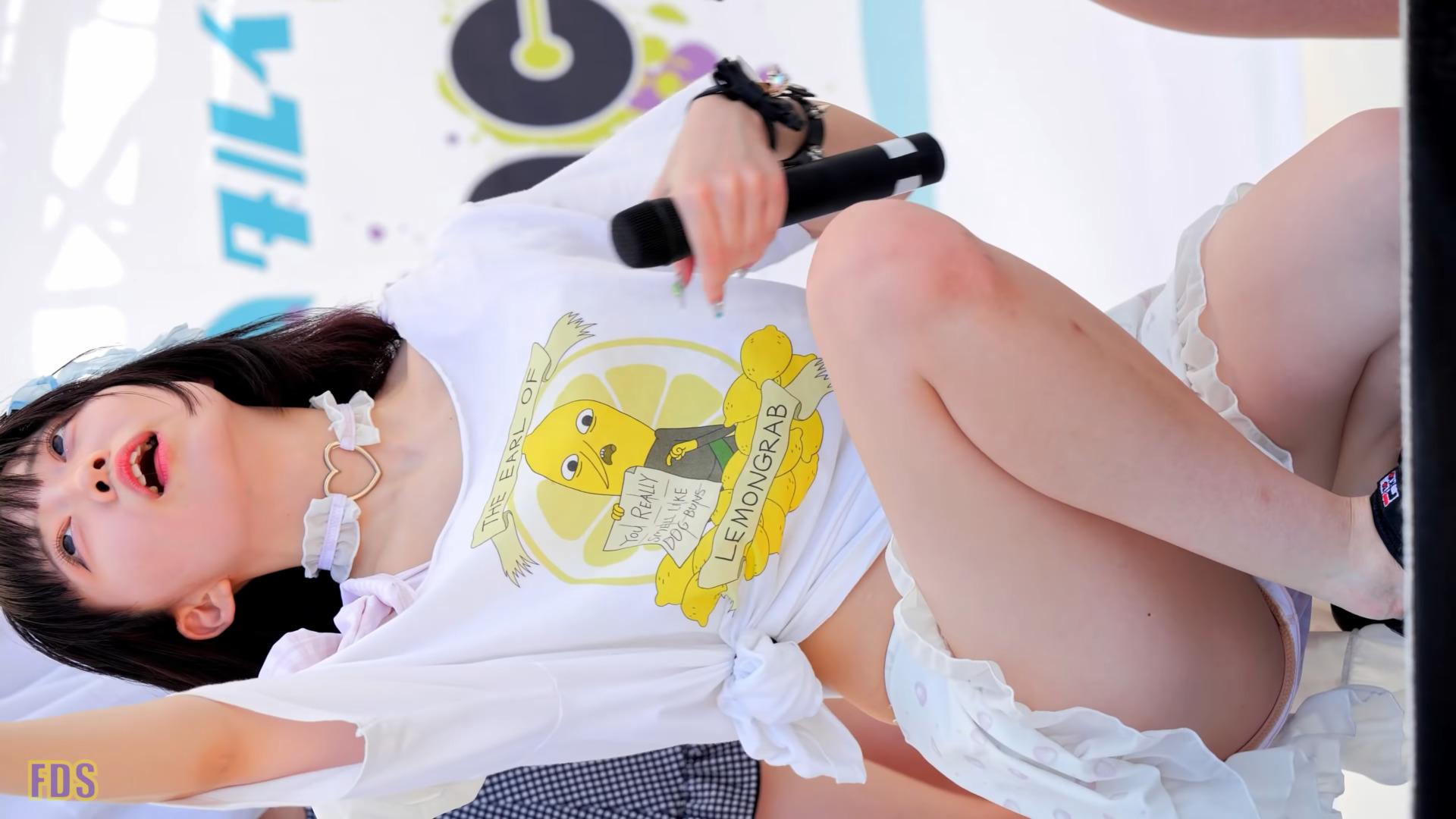 暑いので冷えピタ貼って 水着になりました アイドル サークルクラッシャー Japanese girls idol group [4K] 06:02
